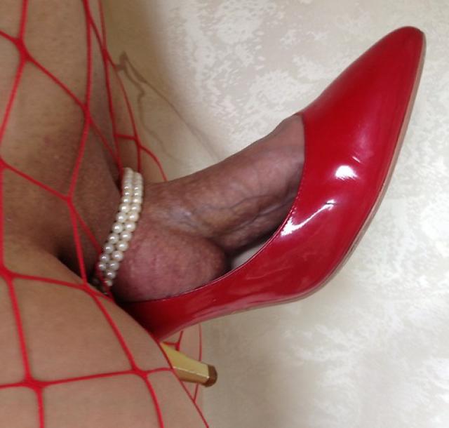 вновь туфлями на член как